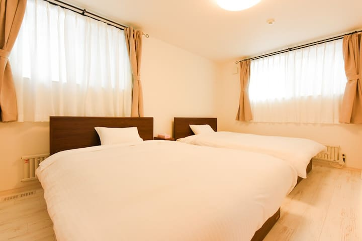 ①bed room on the 1st floor