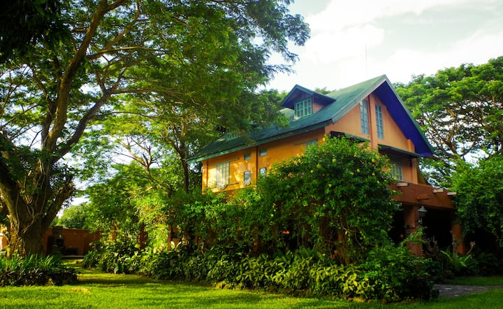 Charming Countryside Farm in Batangas: TARAWOODS