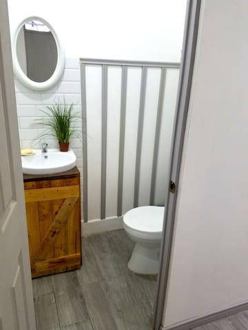 Studio w/ kitchenette in urban conscious community - San Pedro - Apartamento