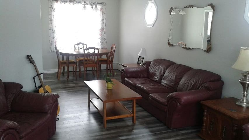 3  Bedroom Duplex - walking distance UPEI