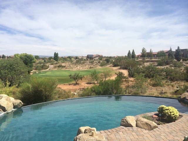 AZ Escape - Golf course family home - Cornville - Casa