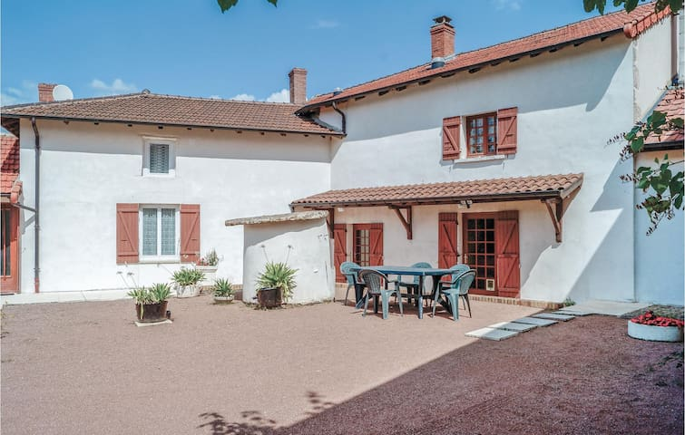 Semi-Detached with 3 bedrooms on 80m² in Dompierre les Ormes