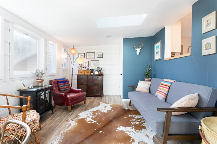 Bright & eclectic home in heart of Boulder (House)