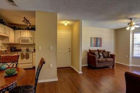Spacious and bright - Southaven - Byt