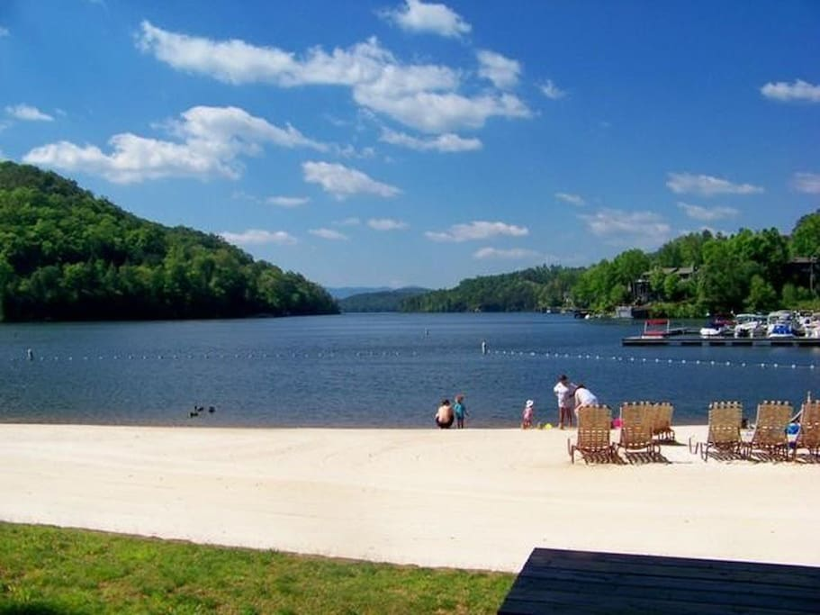 lake lure chat sites Rumbling bald resort on lake lure is a 2,900 acre recreationally active resort scenically surrounded by the blue ridge  live chat software fl communitites ga .