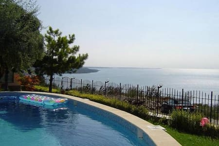 cosy villa with amazing sea view,pool,jakuzzi