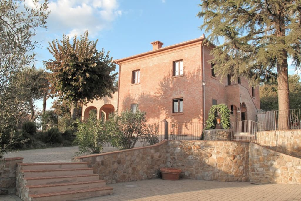 External view of Tuscan Villa Tenuta La Selva