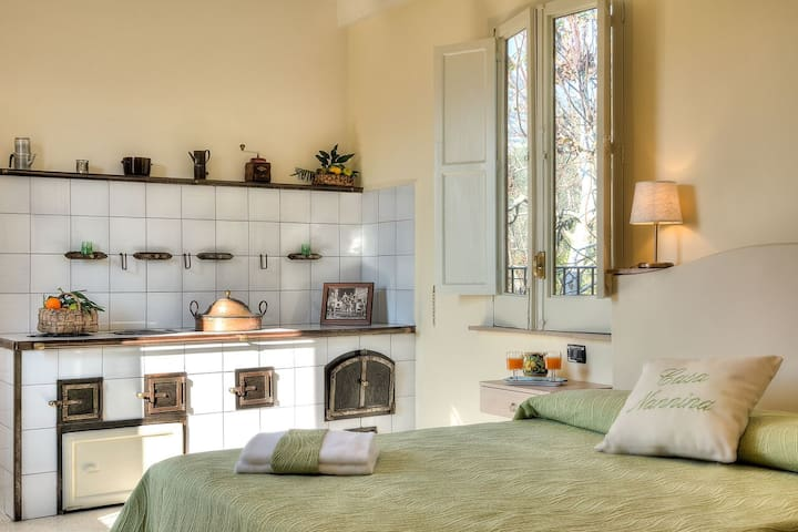 B&B Casa Nannina rooms&traditions-  Il Focolare - Meta - Bed & Breakfast