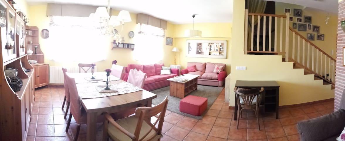 CAN MARTÍ dúplex al peu de Montsant