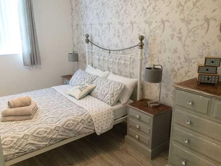 #3 Newly refurbished 1st Floor apartment with WiFi