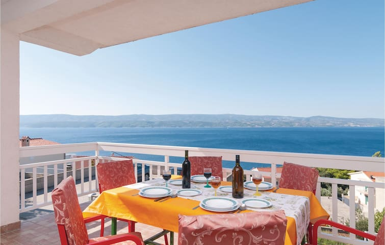 Holiday apartment with 2 bedrooms on 58m² in Stanici