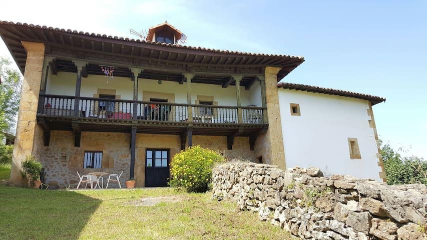 Casona Asturiana del siglo XVIII - Cadanes Piloña - Huoneisto