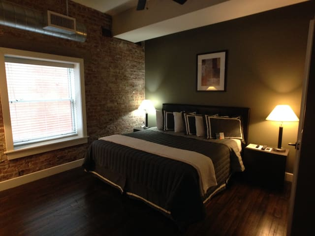 **Exposed brick, great location, and more!!