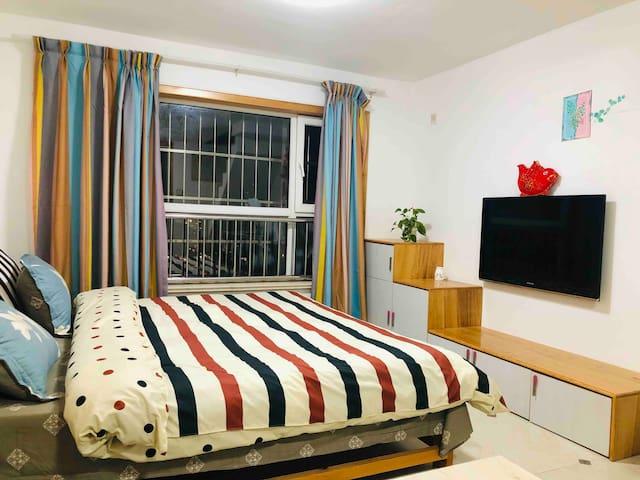 子越家 Q新房特惠机场路上的大床房 可做饭 万达大悦城新都汇