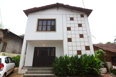 Lenny's Goa Retreat Villa, Double bedrooms - Saligao