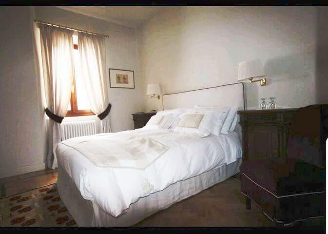 Suite  1 Castello di Mornico Losana