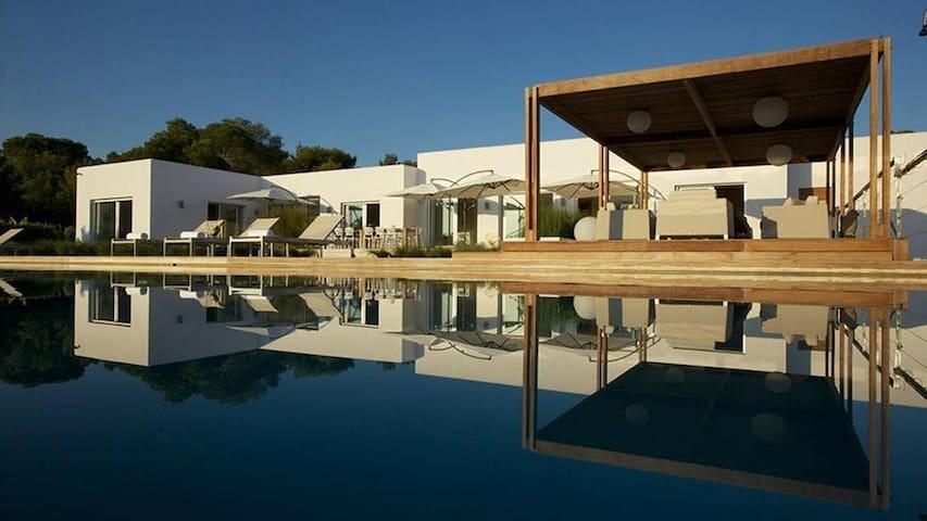 Enjoy the peace and relaxation in private luxury - Sant Josep de sa Talaia - Casa de camp