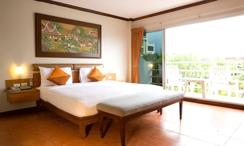 Deluxe Double with Balcony in Karon - Tambon Karon - Leilighet