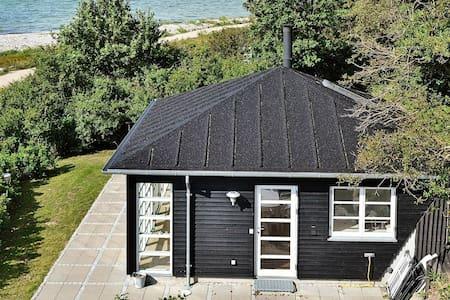 Pintoresca casa de vacaciones en Martofte con vistas al mar