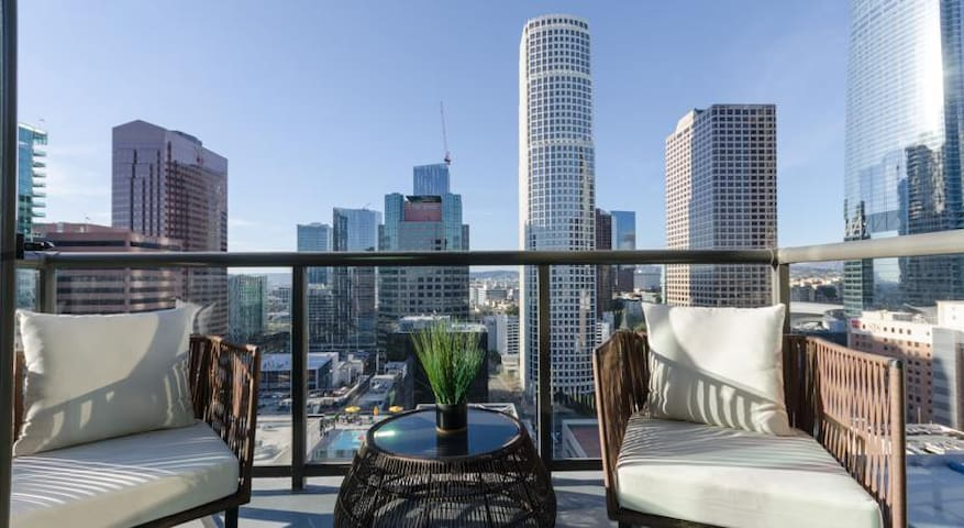 Luxury suite in the heart of downtown LA