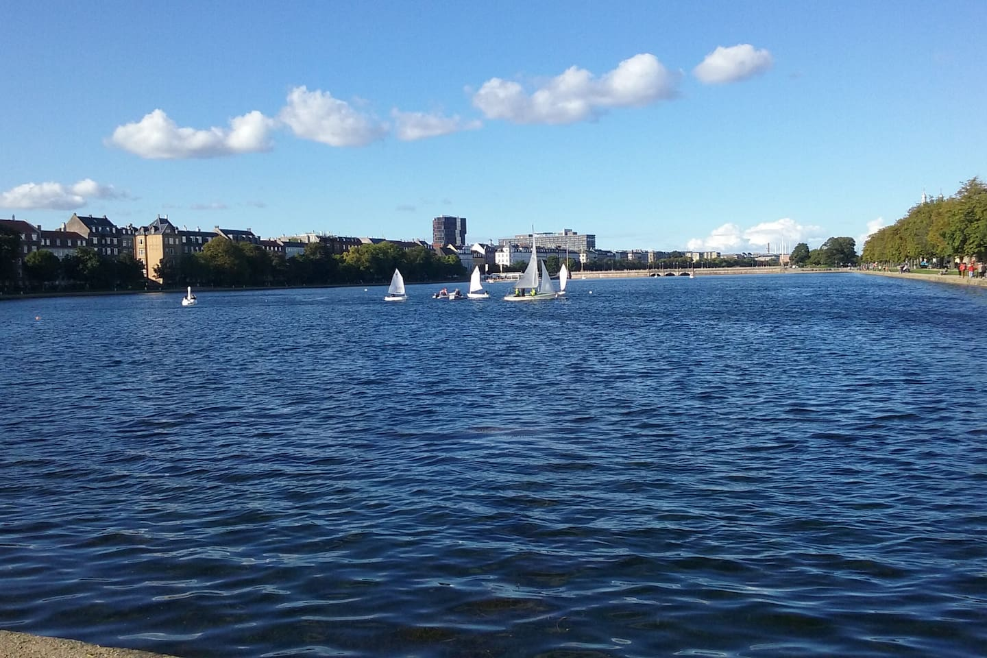 2 minutes walk to the lakes in Copenhagen