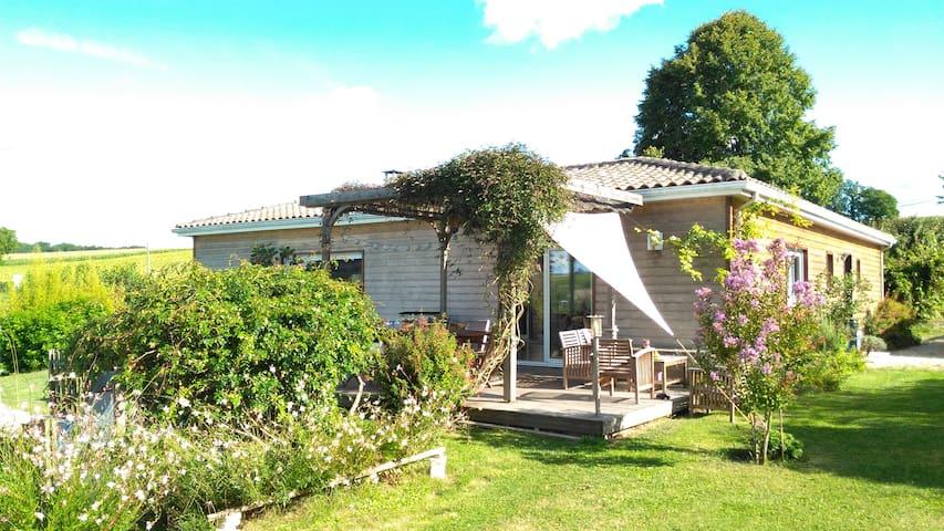 Maison avec piscine proche Angoulême