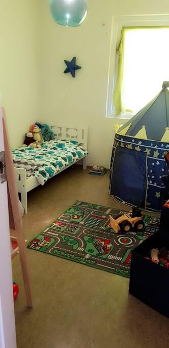 Kids bedroom #2.