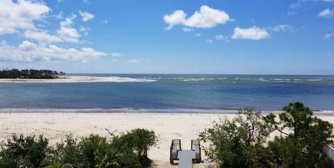 * Beach front Gulf front 3 bed 3 bath private home