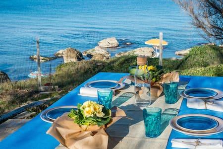 Villa fronte mare per vacanze in Puglia - Villa