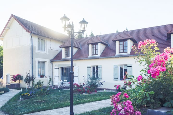 Holiday Home in Meaulne with Swimming Pool
