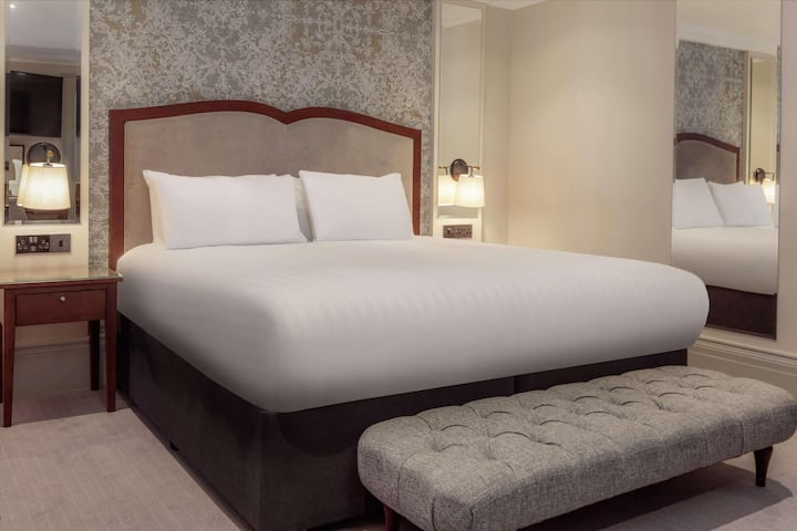 Essential and Business Travel Only: Astonishing Room Guest Room Double Bed At Harrogate