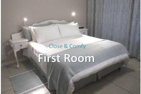 Close & Comfy - Port Elizabeth - Casa