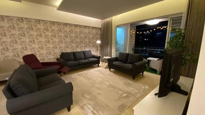 Beautiful Levish AC 3BHK Fully Furnished Apartment
