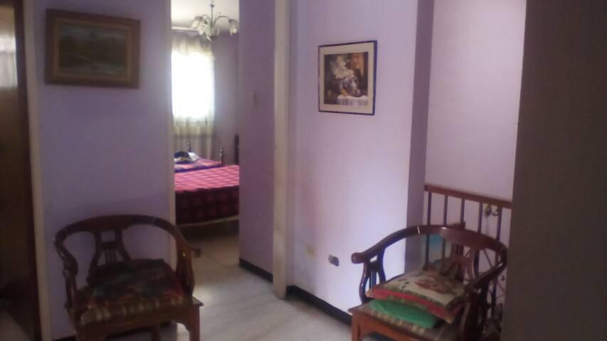 Habitacion + Baño + Traslados - Caracas