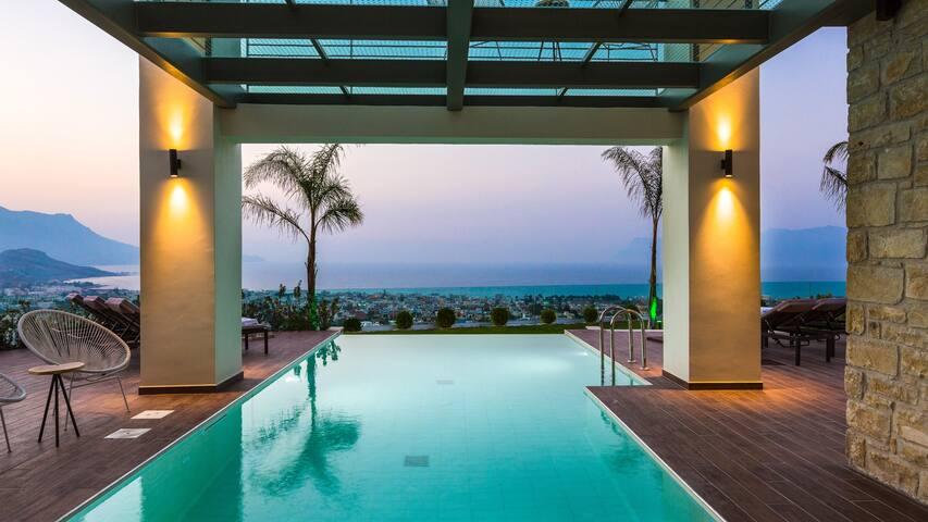 Luxury villa Emilia with seaview and heated pool