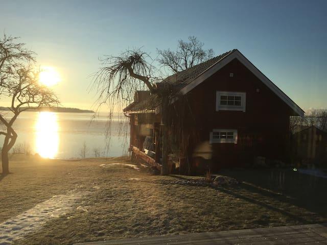 Timmerstuga vid havet - Gävle Ö