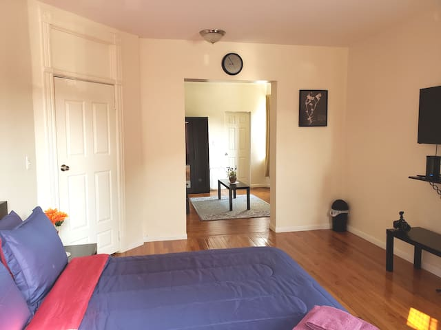 Huge 2 room in Brooklyn NY 1 block  from Subway!