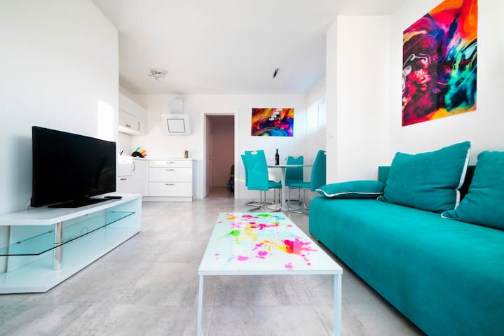 Apartment in White - COMPLETELY NEW - Izola - วิลล่า