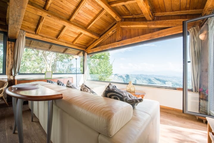Amazing PRIVATE CHALET with view !