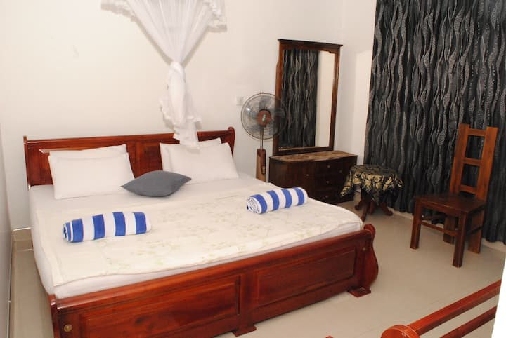 Kandy city tour is with the private double room