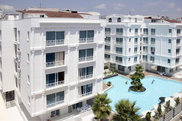 Самая дешевая квартира для 2 человек в Коньяалты