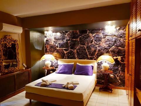 Kouro's private room!