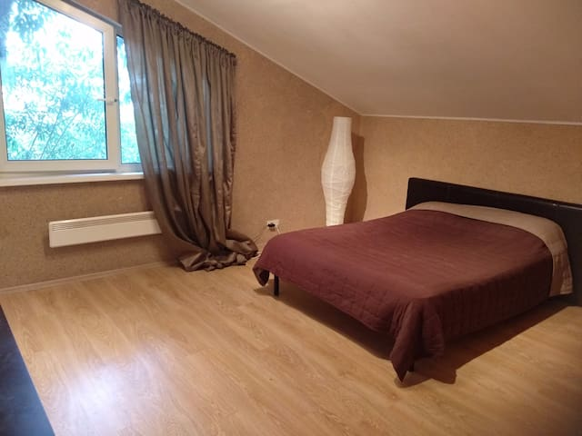 Уютная комната в доме с трансфером в Шереметьево