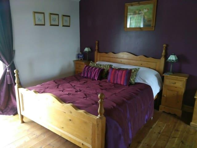 Country Bedroom (First Floor).