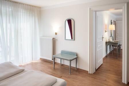 Blick vom Schlafzimmer zum Wohnzimmer