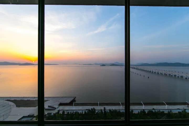 超大落地海景窗 无敌海景 商业繁华中心地段 近码头