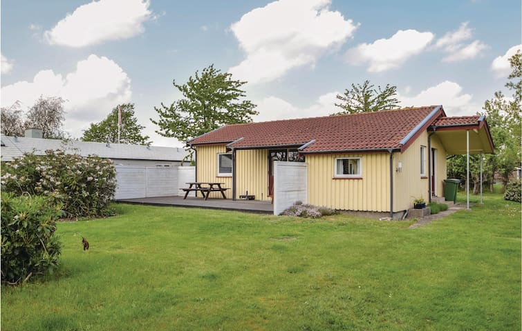 Holiday cottage with 3 bedrooms on 60m² in Juelsminde