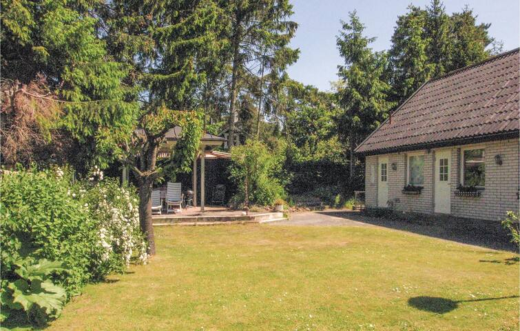 Holiday cottage with 2 bedrooms on 90m² in Beddingestrand