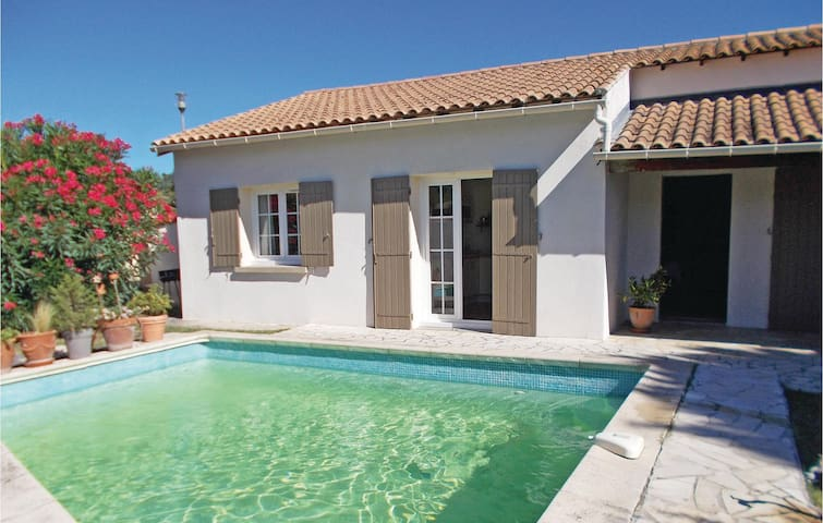 Holiday cottage with 2 bedrooms on 90 m² in Les Angles