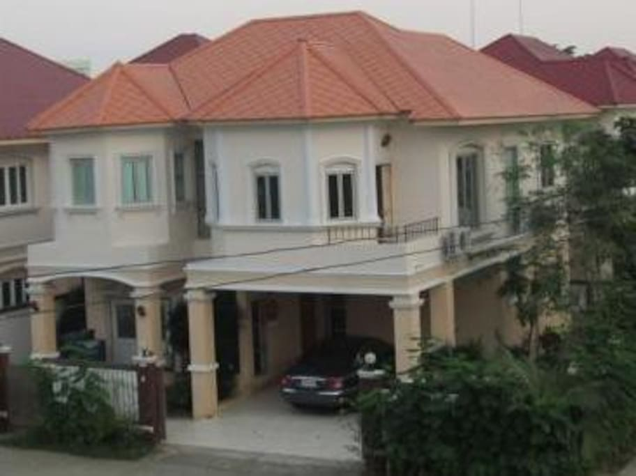 Complete spacious 4-bedroom house
